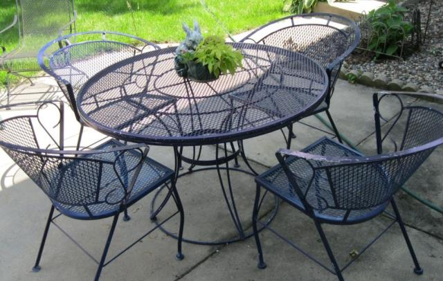 Where to find PATIO TABLE   4 CHAIRS in Batesville