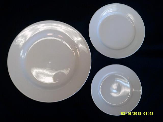 Where to find WHITE PORCELAIN ROUND DINNER PLATE in Batesville