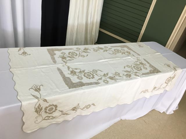 Where to find IVORY 72X54 VINTAGE EMBROIDERY in Batesville