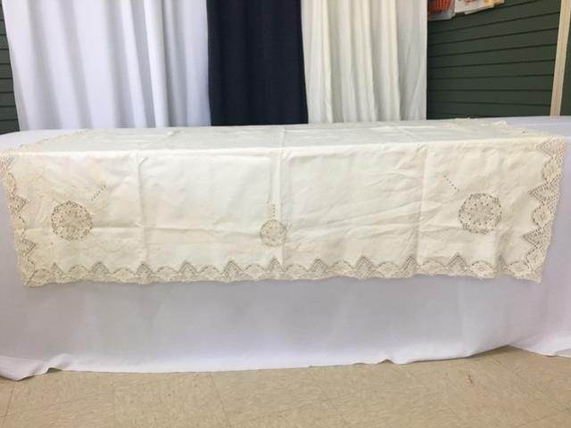 Where to find IVORY 67X67 VINTAGE CROCHET CUTWORK in Batesville