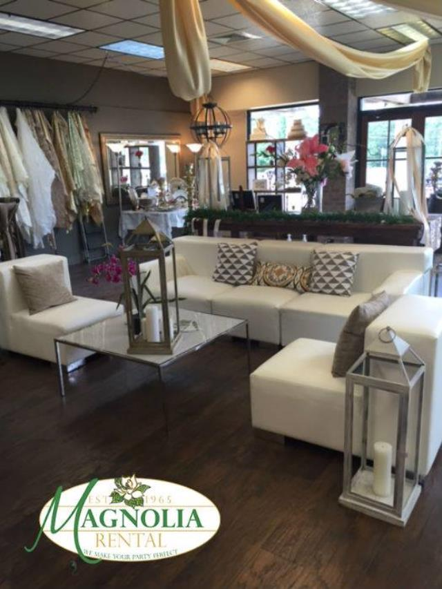Where to find WHITE LOUNGE LEFT END in Batesville